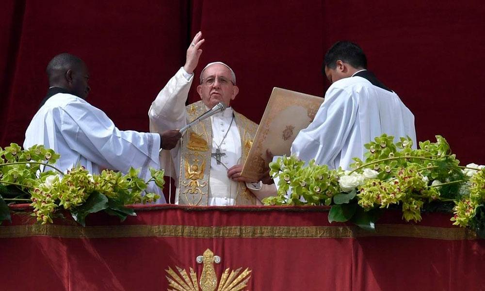 Papa Francisco durante bênção pascal Urbi et Orbi, em 2018