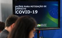 Pacote para ajudar empresas foi anunciado nesta sexta-feira, mais de um mês após 1º caso (Marcos Corrêa/PR)