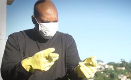 Rap 'Quarentena' foi gravado em isolamento na casa do artista e publicado nas redes sociais (Reprodução/Youtube/MVBill)