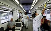 O presidente do Brasil, Jair Bolsonaro, defende o isolamento vertical em todo país (Ricardo Moraes/ Reuters)