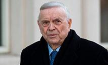O ex-presidente da CBF, José Maria Marin, chega à corte federal do Brooklyn, Nova York, durante seu julgamento, em 13 de dezembro de 2017 (DON EMMERT / AFP)