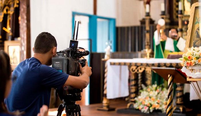 Determinação de celebrações na ambiência virtual legitima a virtualização da religiosidade litúrgica
