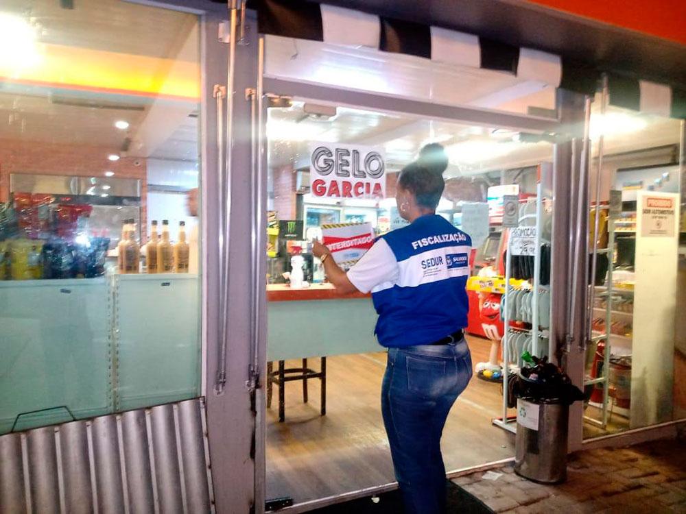 Força-tarefa da prefeitura interdita 28 estabelecimentos no último fim de semana de março em Salvador
