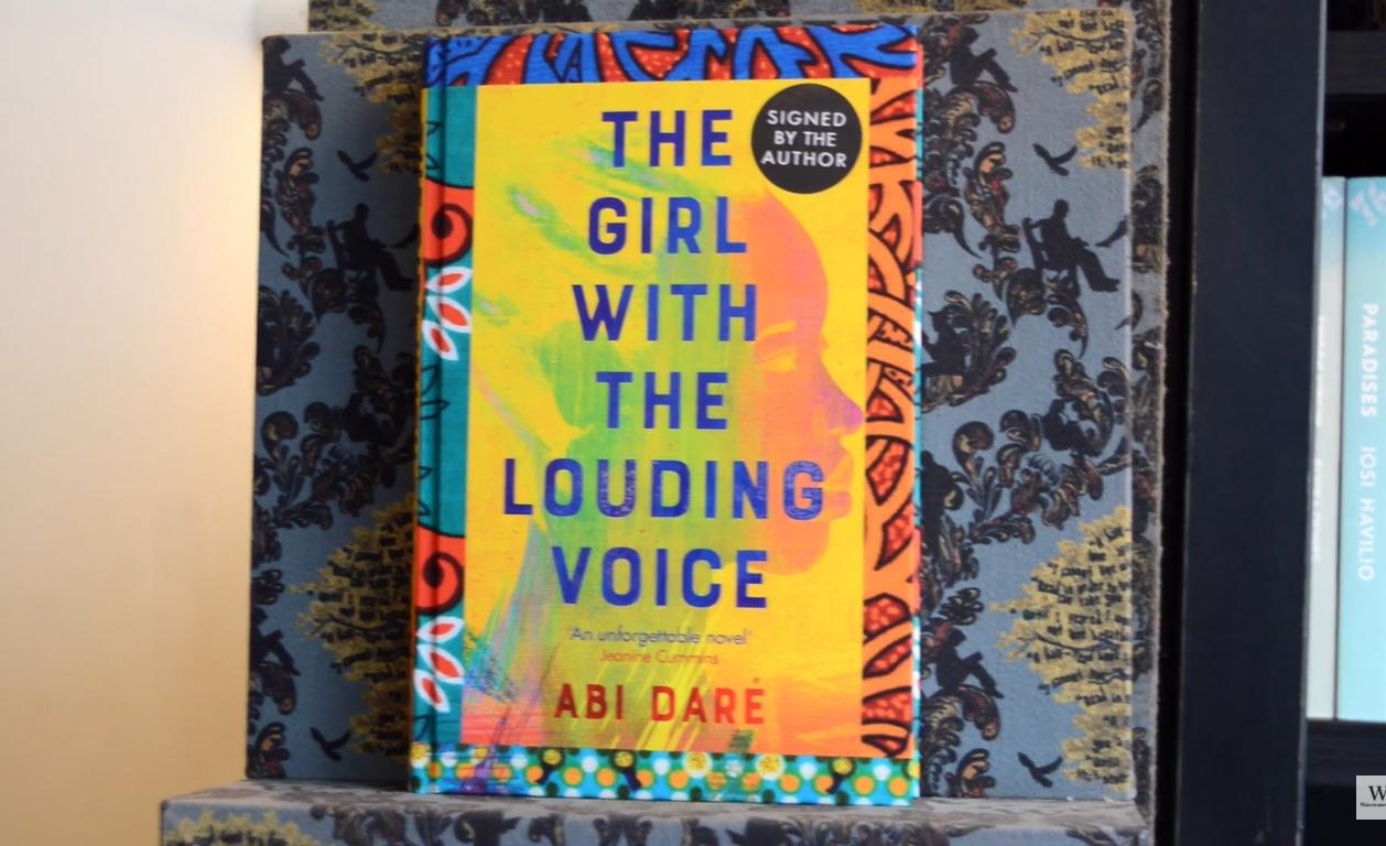 'The girl with the louding voice' conta a história de uma menina de 14 anos que trabalha como doméstica de uma família rica da Nigéria