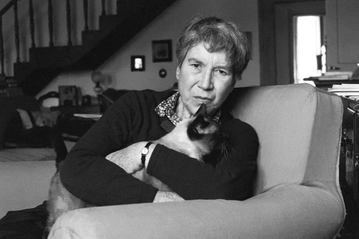 'As pequenas virtudes' reúne 11 textos breves de Natalia Ginzburg