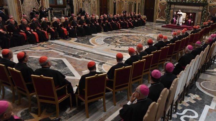 Cúria Romana reunida com o Papa Francisco