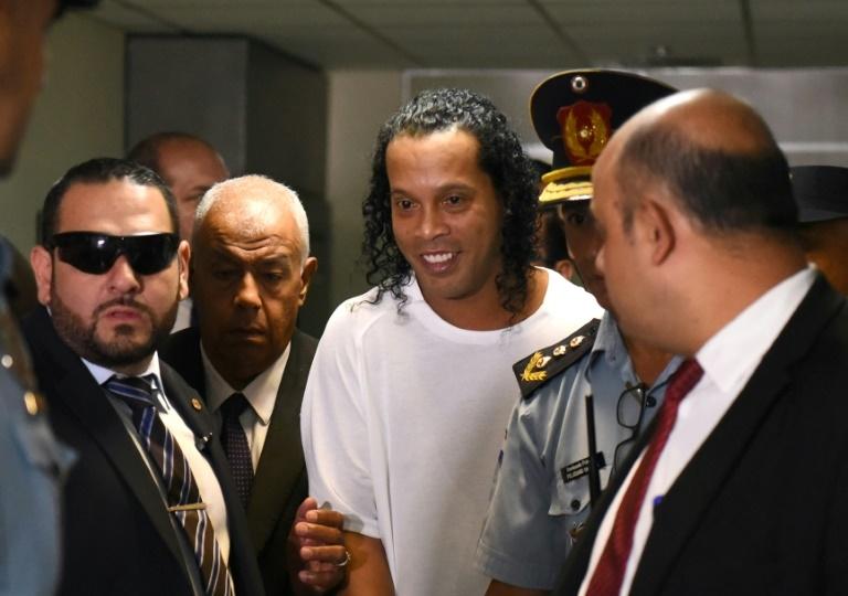 O ex-craque Ronaldinho Gaúcho em sua chegada ao Palácio de Justiça de Assunção, no dia 6 de março de 2020