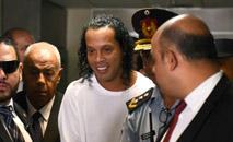 O ex-craque Ronaldinho Gaúcho em sua chegada ao Palácio de Justiça de Assunção, no dia 6 de março de 2020 (AFP)
