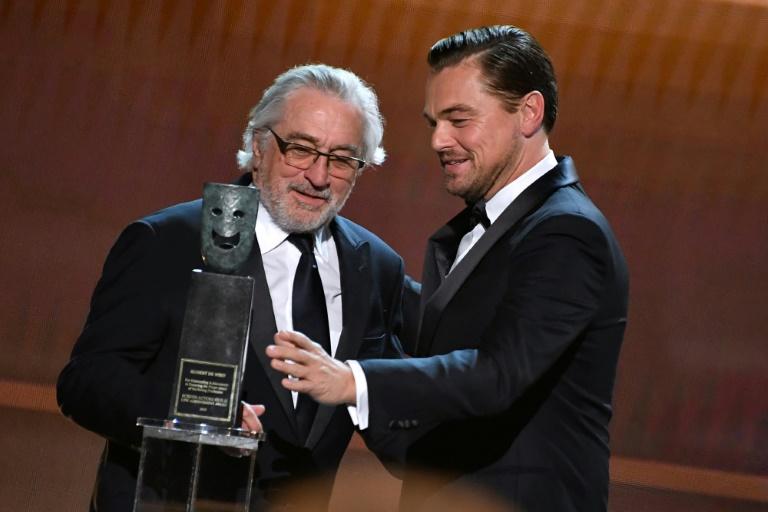 Leonardo DiCaprio e  Robert De Niro pedem doação para COVID-19 em troca de participação em filme