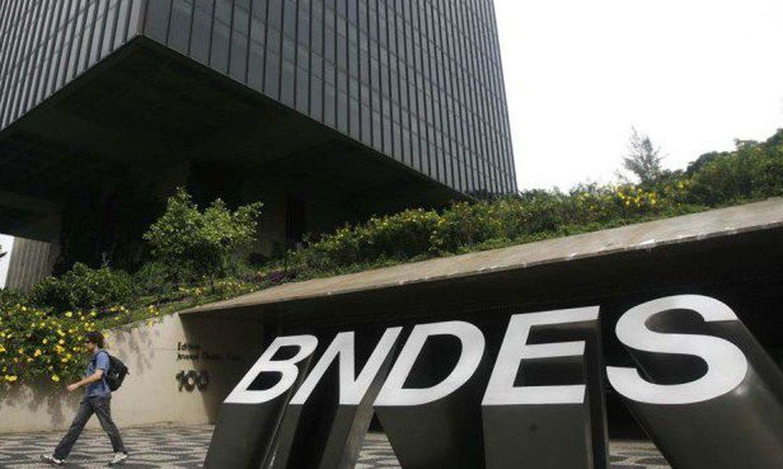 A ideia do BNDES ao lançar esses fundos de crédito é ampliar o acesso ao crédito para os pequenos empresários e empreendedores