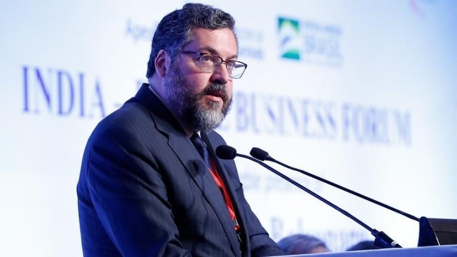 Ernesto Araújo estaria insatisfeito com a cobertura a respeito de seu trabalho à frente do Ministerio das Relações Exteriores