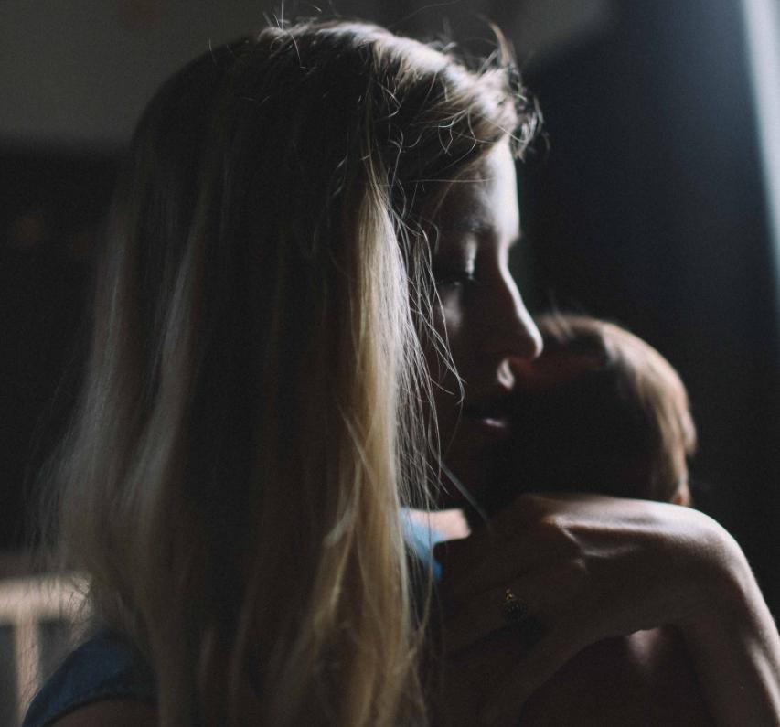 Mais de 50% das mulheres com filhos disseram não ter conseguido finalizar artigos para submissão durante a pandemia