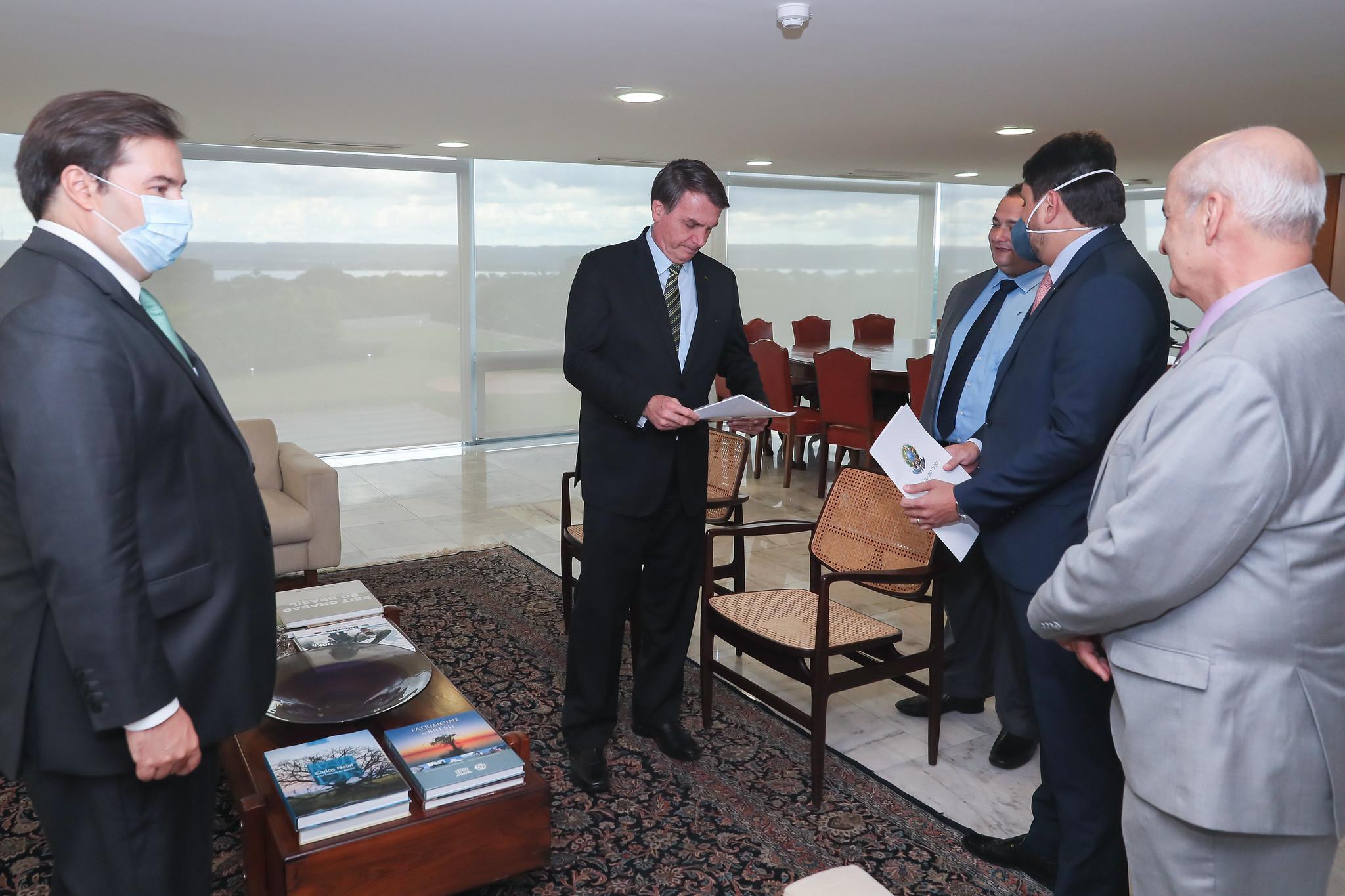 Encontro do presidente Jair Bolsonaro com o presidente da Câmara, Rodrigo Maia, em 14 de maio de 2020
