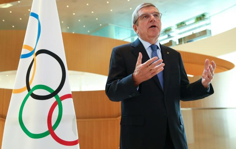 Thomas Bach comparece diante da imprensa para anunciar o adiamento dos Jogos de Tóquio, 25 de março de 2020 em Lausane, na Suíça