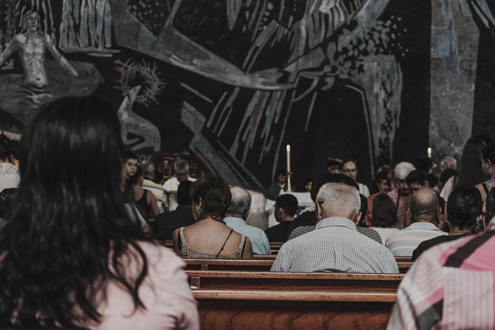 A Igreja, Corpo de Cristo, comunidade de batizados e batizadas, é sinal da presença constante de Jesus, 'sacramento universal da salvação'