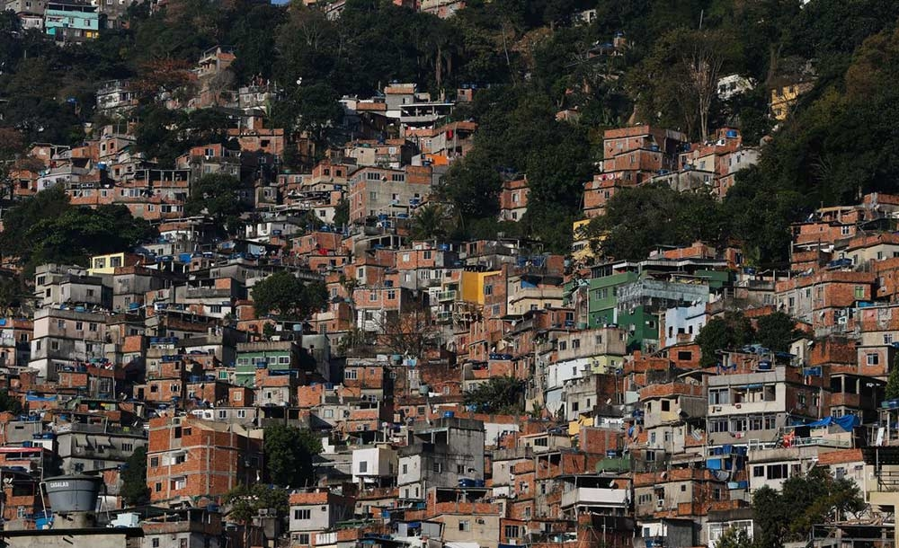 A favela da Rocinha, a maior do país, acumula 49 mortes por Covid-19