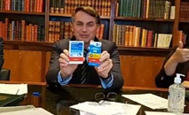 Contra ciência, Bolsonaro forçou liberação de cloroquina (Reprodução)