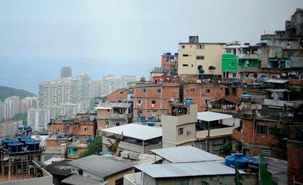 O Brasil é o país com maior desigualdade do mundo, onde ricos e extremamento pobres convivem no mesmo espaço