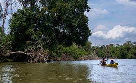 Extrativistas na Reserva Extrativista (Resex) estadual Jaci-Paraná, no noroeste de Rondônia. Governo quer desafetar 77% da reserva (Marcio Isensee e Sá.)
