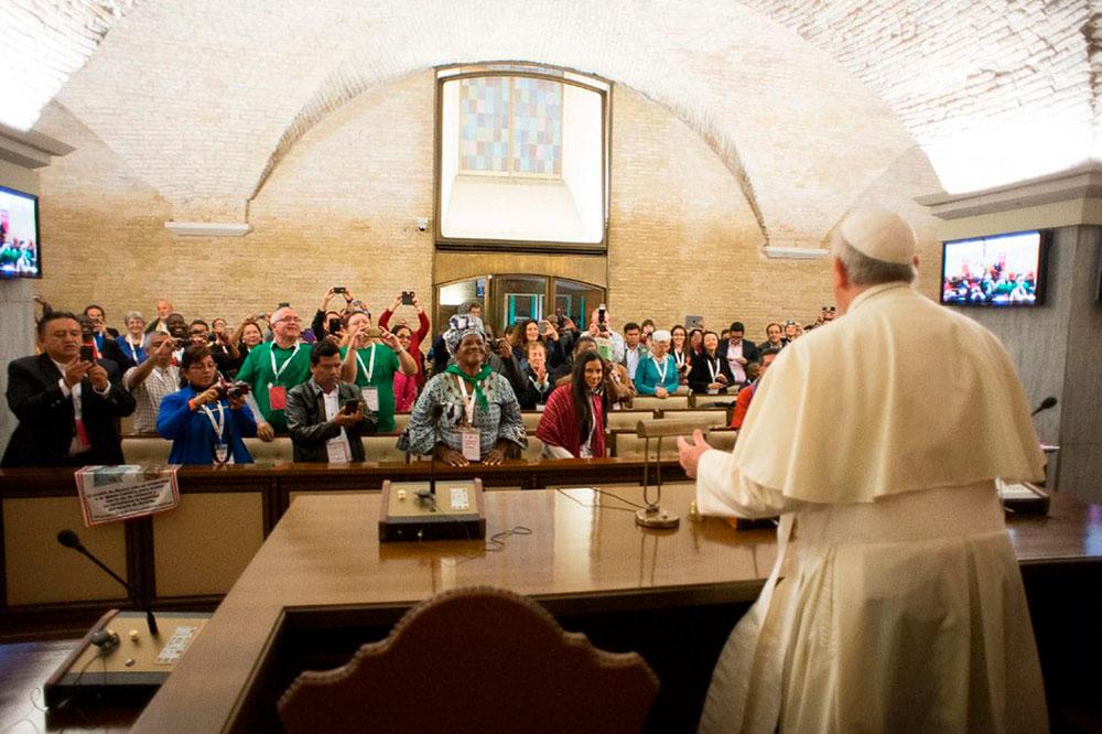 1º Encontro Mundial dos Movimentos Populares com o papa Francisco, em outubro de 2014, em Roma