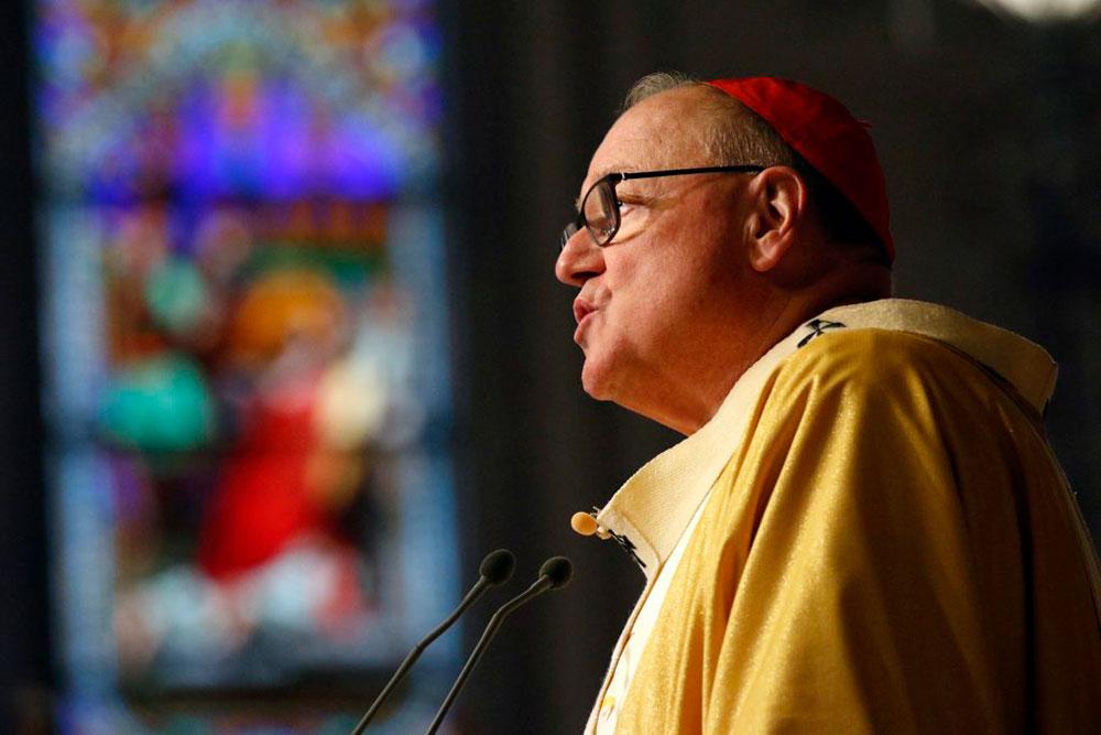O cardeal de Nova York Timothy M. Dolan faz sua homilia durante a missa de crisma na Catedral de São Patrício, na cidade de Nova York, em 16 de abril de 2019.