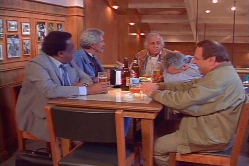 Cena de 'Boleiros', quando o personagem Naldinho manifesta sua tristeza