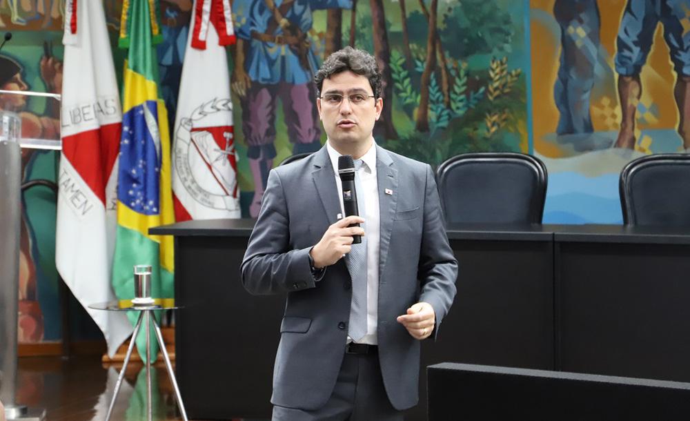 O controlador-geral de MG Rodrigo Fontenelle lançou um podcast do órgão