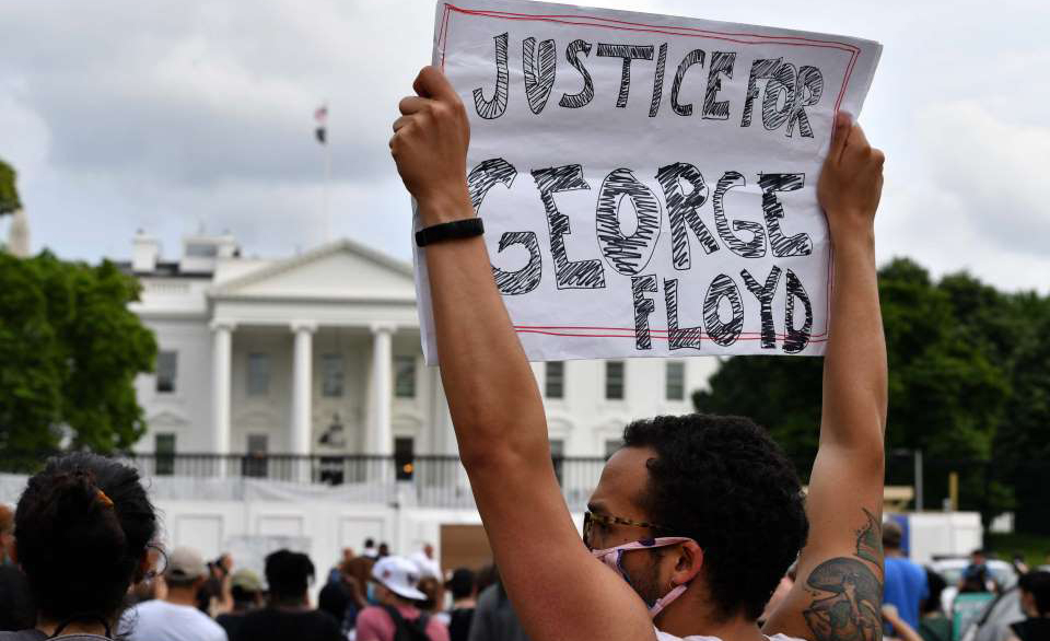 'É isso que significa ser negro nos Estados Unidos. Acusado. Julgado. Morto por ser negro', destacou a atriz Viola Davis