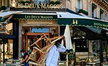 """O famoso café """"Les deux Magots"""" de Paris prepara reabertura, em 1 de junho de 2020 (AFP)"""