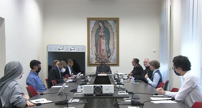 Reunião do Dicastério para a Promoção do Desenvolvimento Humano Integral e a mídia do Vaticano sobre o tema 'Preparando o futuro através das igrejas locais durante a pandemia de Covid-19'