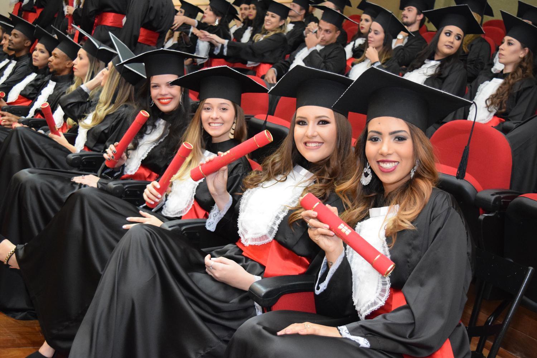 Com a autonomia para registro, a Dom Helder entregará os diplomas já na solenidade de formatura