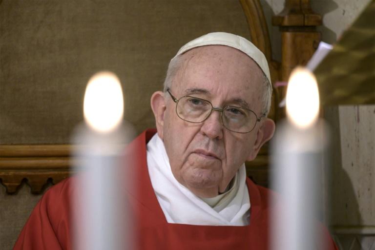 O papa Francisco durante a missa privada e transmitida ao vivo da capela da residência de Santa Marta, no Vaticano