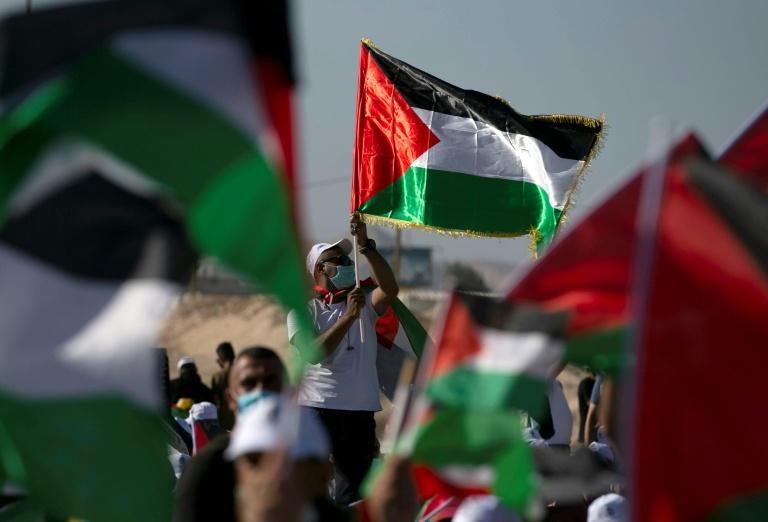 Palestinos protestam contra a anexação por parte de Israel das colônias judaicas e do Vale do Jordão
