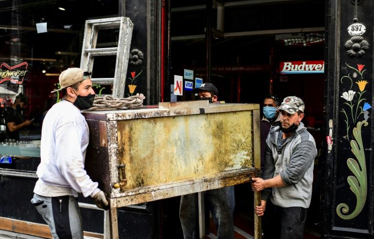 Em recessão desde 2018, a economia argentina será ainda mais castigada este ano, devido à pandemia da Covid-19