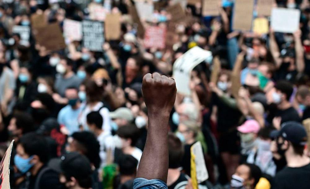 Protesto em Nova York contra a morte de George Floyd pela polícia
