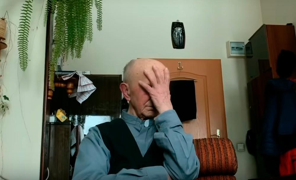 Imagem do documentário polonês 'Não conte a ninguém', que deu origem à denúncia