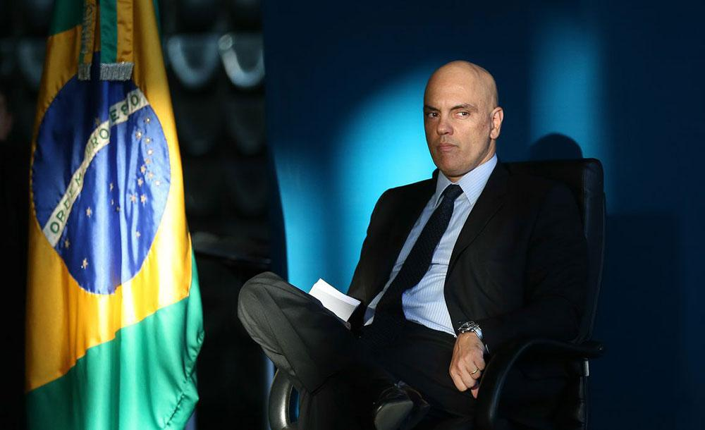 Moraes foi efetivado ministro titular do TSE, onde tramitam oito ações que investigam a campanha de Bolsonaro em 2018