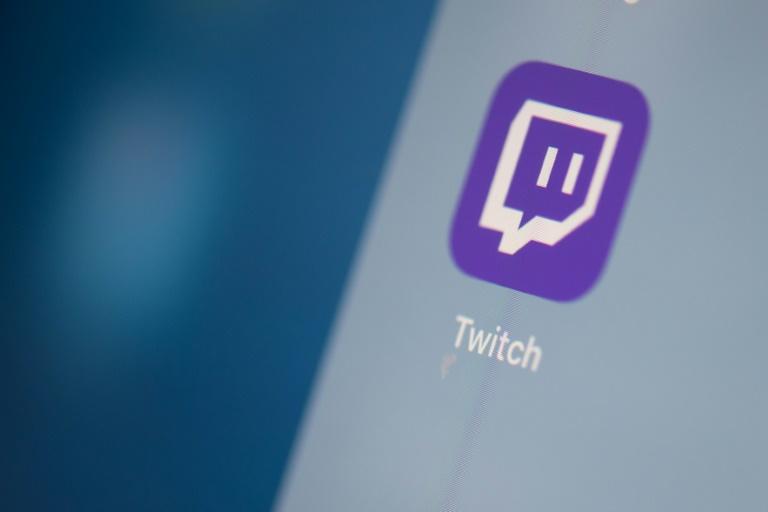 O símbolo do aplicativo Twitch na tela de um aparelho celular