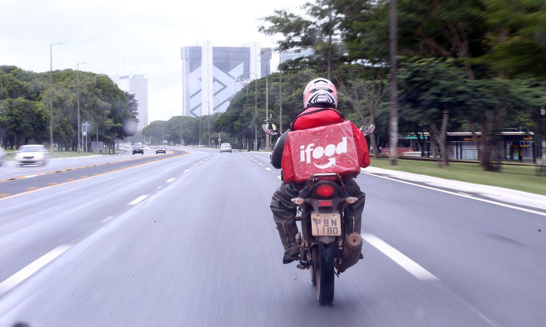Na mobilização de hoje, os motoboys prometem obter a adesão de pelo menos metade do efetivo à disposição de aplicativos como iFood, Rappi, Loggi e Uber Eats