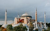 Complexo monumental de Santa Sofia ( Hagia Sophia ou Aya Sofya) (Unsplash/ Adli Wahid)