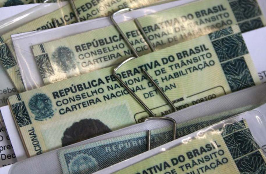 Serviço é retomado aos poucos em Minas Gerais