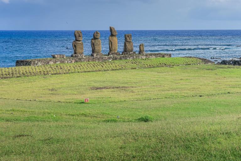 A Ilha de Páscoa é uma das principais atrações turísticas do Chile e, antes da pandemia, recebia cerca de 100 mil visitantes por ano