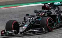Lewis Hamilton pilota Mercedes com a nova cor preta na Áustria (Divulgação)