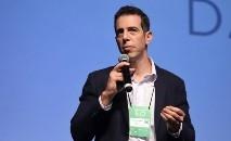 o secretário Renato Feder usou as redes sociais para reagir à pressão de alas ligadas ao escritor Olavo de Carvalho (Sec. de Educação do PR/Divulgação)