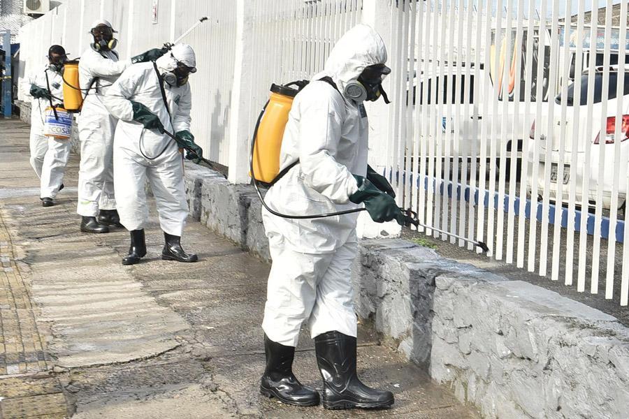 Desinfecção e higienização das ruas e espaços públicos em Salvador