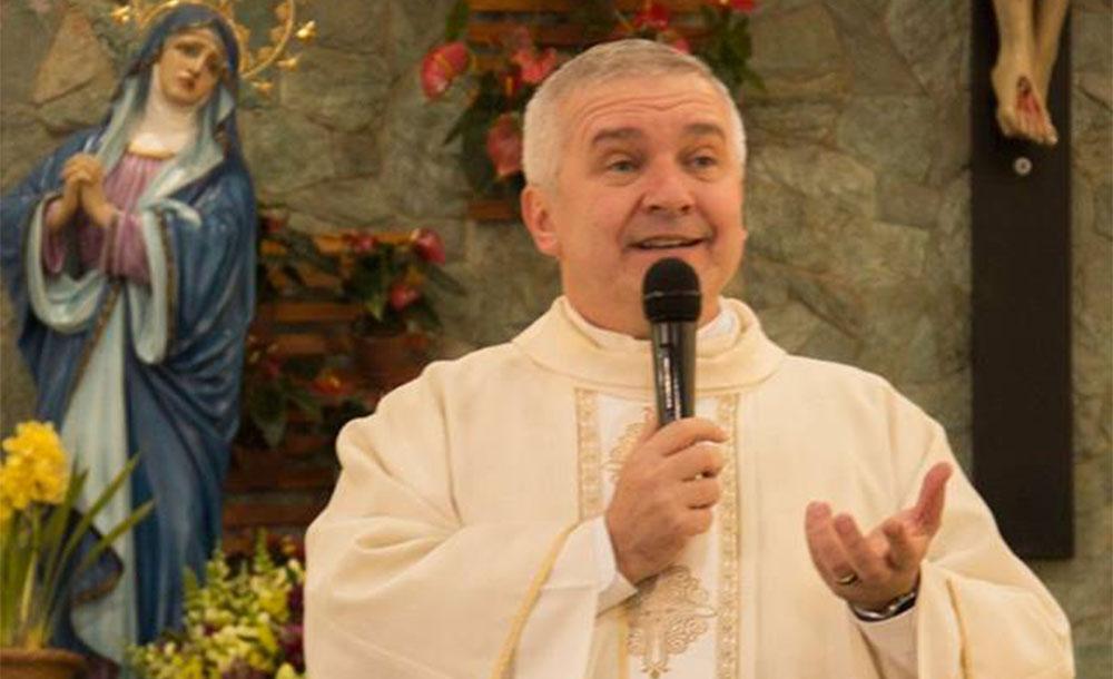 'Quem comunga o seu Evangelho não pode se associar ao reino da morte', disse padre Edson