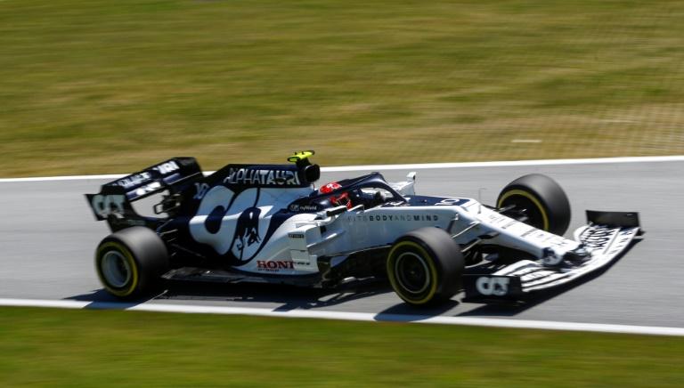O AlphaTauri do francês Pierre Gasly na pista durante os treinos para o GP de Estíria de F1, na Áustria