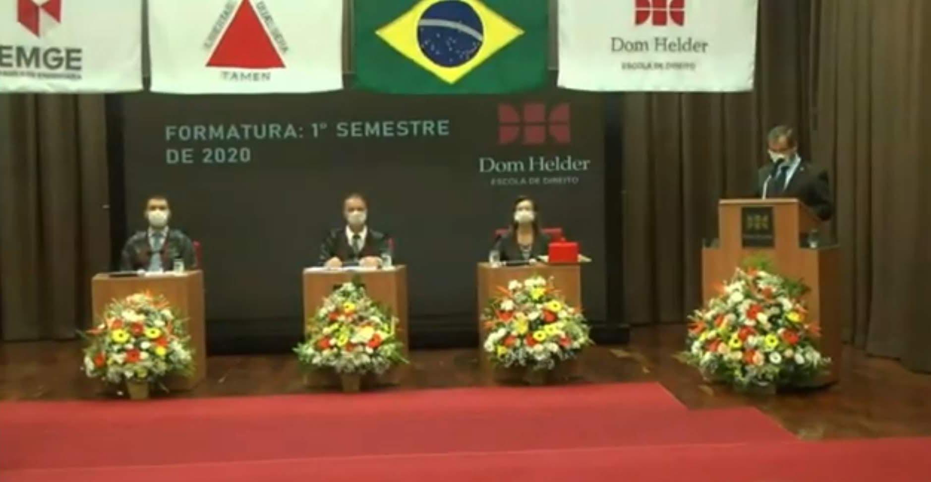 Solenidade de formatura virtual dos graduandos do primeiro semestre de 2020 da Dom Helder.