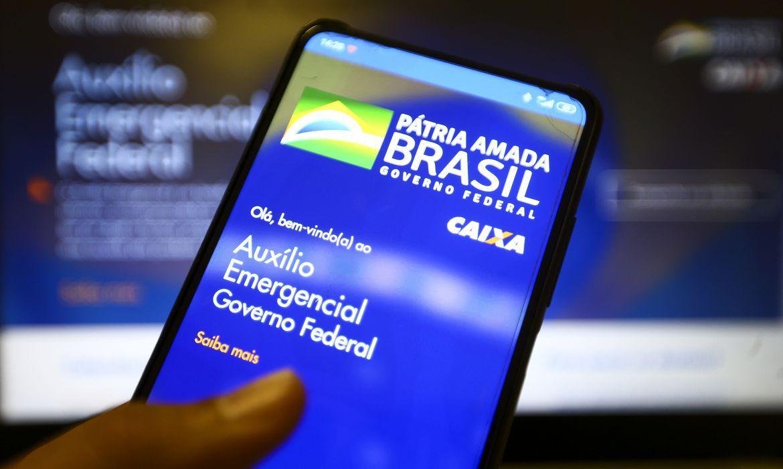 Aplicativo Caixa Tem é usado para acessar e movimentar o dinheiro do auxílio emergencial