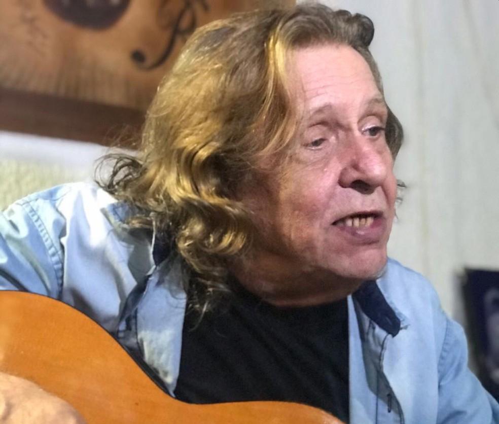 Renato Barros, vocalista do Renato e Seus Blue Caps